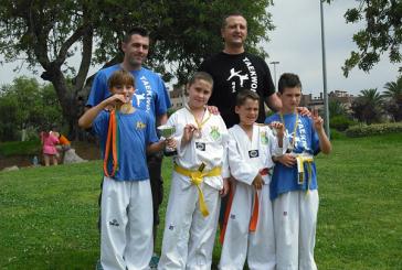 Or, dues plates i bronze pel Taekwondo Banyeres al provincial de Tarragona