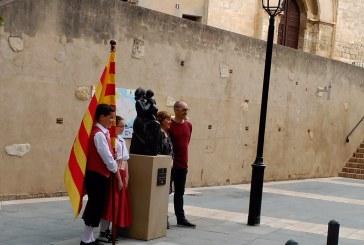 S'inaugura el monument a la Maternitat de Josep Cañas