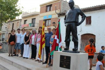 """S'inaugura el """"Pescador"""", la quarta escultura de Josep Cañas al carrer"""